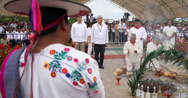 Presidente Andrés Manuel López Obrador participa en la ceremonia de Pueblos Indígenas a la Madre Tierra