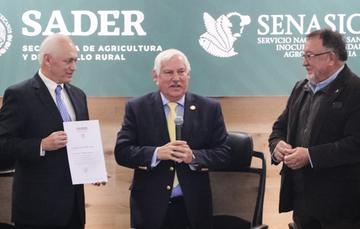 Se exhortó al personal del SENASICA a constituir un equipo sólido, inteligente y profesional para trabajar en la transformación del campo