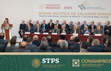 Andrés Manuel López Obrador, Presidente Constitucional de los Estados Unidos Mexicanos, Luisa María Alcalde Luján, Secretaria del Trabajo y Previsión Social y demás funcionarios públicos