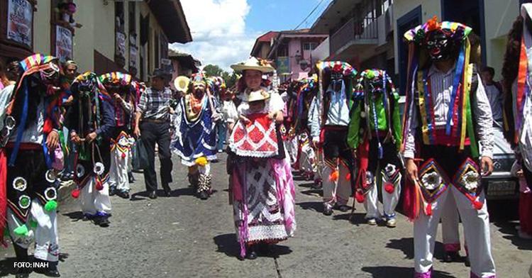 Banner de la ceremonia del Fuego Nuevo (Kurhikuaeri K´uinchekua). Comunidad purépecha.