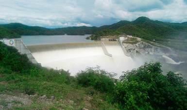 Fotografía de una presa de agua.
