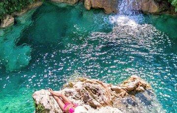 A tan solo 30 minutos del Pueblo Mágico de Taxco encontrarás este impresionante lugar. ¡Ponte tu traje de baño y aviéntate un chapuzón en sus increíbles aguas color turquesa!