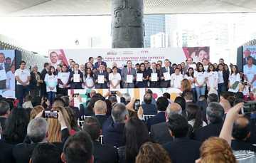 Primera firma de convenio con empresas para el programa jóvenes construyendo el futuro