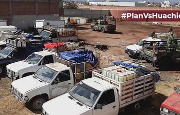 Camionetas con bidones de combustible robado