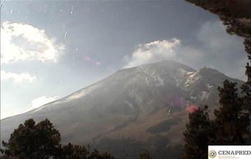 En las últimas 24 horas, por medio de los sistemas de monitoreo del volcán Popocatépetl, se identificaron 254 exhalaciones con emisión de vapor de agua, gas y ceniza. Se registró un evento volcanotectónico, el día de ayer a las 22:17 h con magnitud de 1.8