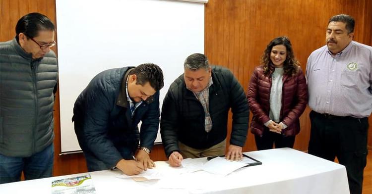 En las instalaciones del Tecnológico se llevó a cabo el acto protocolario entre SIMAS Carbonífera y la máxima casa de estudios de Múzquiz.