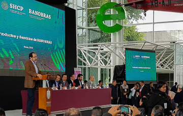 Antonio García Carreño, Director General Adjunto de Financiamiento y Asistencia Técnica de Banobras, explicó los productos y servicios que el Banco ofrece a los estados y municipios
