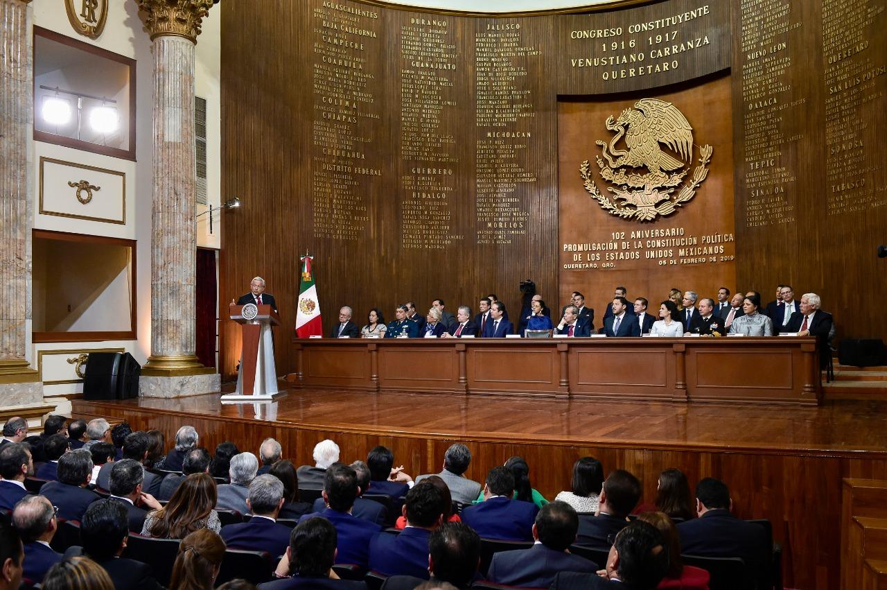 Presidente Andrés Manuel López Obrador en su mensaje en el Teatro de la República