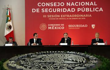 El secretario Durazo Montaño, subrayó que el objetivo del Consejo es hacer que las instituciones del Sistema de Seguridad operen como partes de un todo, para combatir eficazmente la delincuencia y garantizar la paz pública de las y los mexicanos.