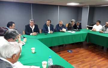 En seguimiento a reuniones, con representantes del sector, el subsecretario de Agricultura de la SADER, Miguel García Winder, y el titular de la CONAPESCA, Raúl Elenes Angulo, recibieron a la CONACOOP.
