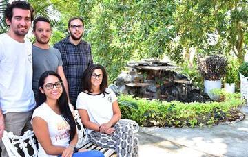 Jóvenes estudiantes investigadores extranjeros en el INEEL.