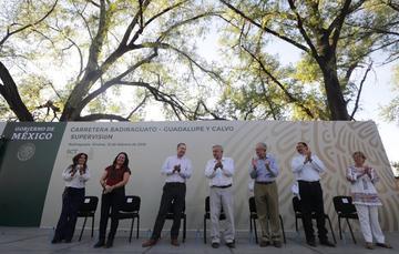 Presidente Andrés Manuel López Obrador encabezó la supervisión de las obras de la carretera Badiraguato – Guadalupe y Calvo.