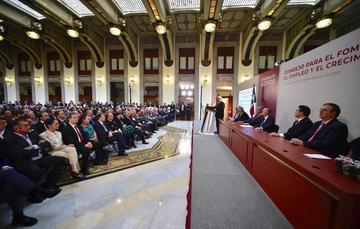 El presidente Andrés Manuel López Obrador durante su mensaje en Palacio Nacional