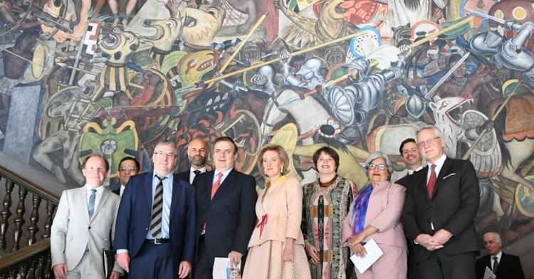 Canciller Marcelo Ebrard con la delegación de Bélgica encabezada por la princesa Astrid