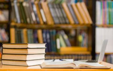 """Encontrarás éste y muchos otros títulos en el acervo histórico de la Biblioteca """"Ing. José Luis de la Loma y de Oteyza"""""""