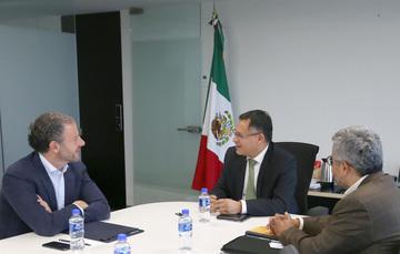 Subsecretario de Industria y Comercio con el Presidente de la Cámara Téxtil