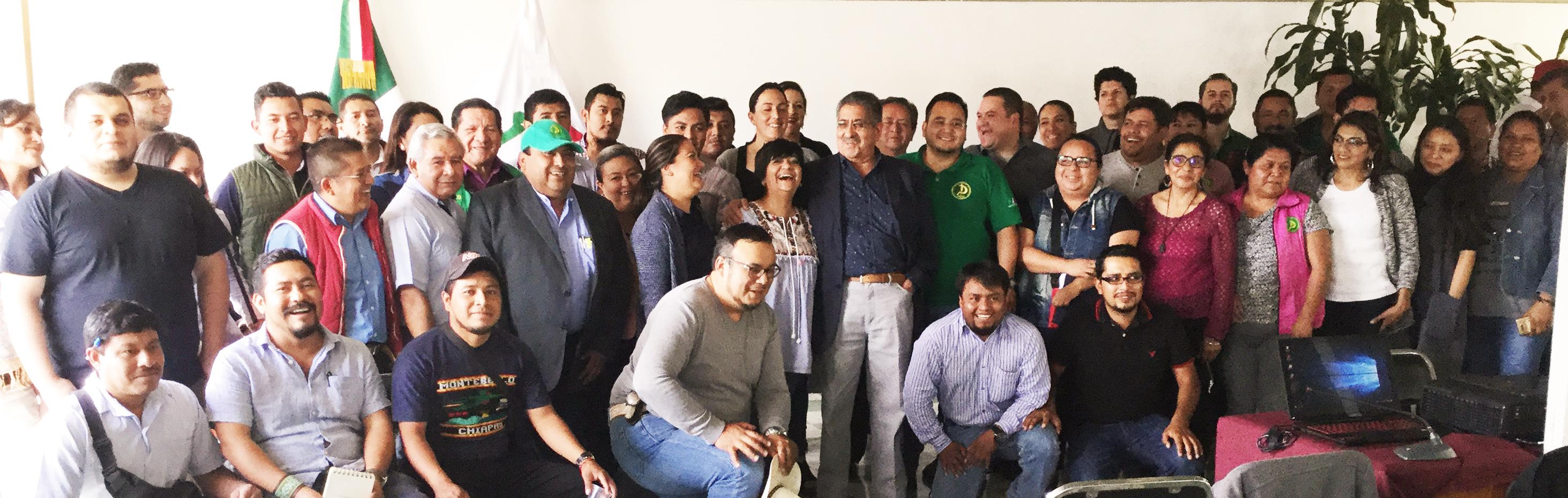 Dra. Edna Elena Vega Rangel, titular de CONAVI en reunión con integrantes del Frente Autentico del Campo (FAC)