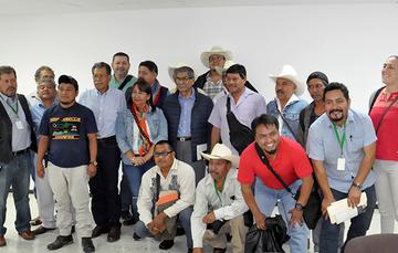 Plutarco García Jiménez, Director en Jefe del Registro Agrario Nacional (RAN) durante la reunión con integrantes de la Unión Nacional de Trabajadores Agrícolas (UNTA); de la Coalición de Organizaciones Democráticas Urbanas y Campesinas (CODUC); la Central