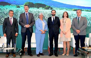 Secretaria Marquez y Representantes del IMPI y de Brasil