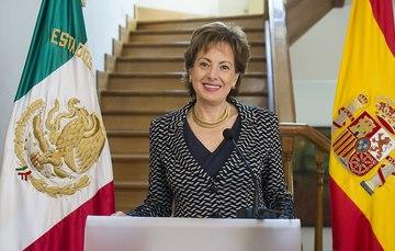 Emb. Roberta Lajous Vargas y la Mtra. Liliana Padilla