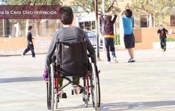 Niño en silla de ruedas discriminado por sus compañeros