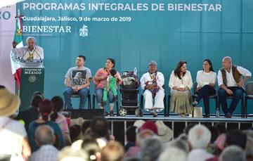 El presidente Andrés Manuel López Obrador, durante la  presentación de los Programas Integrales de Bienestar en Guadalajara