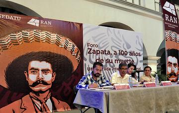 Plutarco García Jiménez, Director en Jefe del Registro Agrario Nacional (RAN) durante su ponencia en el Foro Zapata, a 100 años de su muerte. Una mirada intergeneracional.