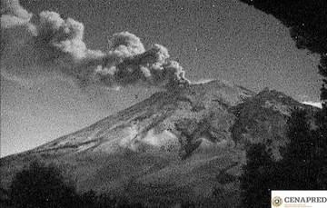 En las últimas 24 horas, por medio de los sistemas de monitoreo del volcán Popocatépetl, se identificaron 104 exhalaciones  y dos eventos volcanotectónicos ayer las 03:12 y 07:57 h, con magnitud de 2.1 y 1.6 respectivamente
