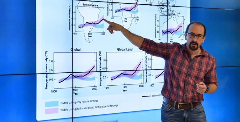 Dr. Francisco Estrada Porrúa Investigador del Centro de Ciencias de la Atmósfera de la UNAM.