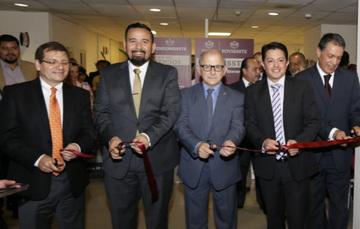 El Vocal Ejecutivo del  Agustín Gustavo Rodríguez López, en la inauguración de la Jornada del Bienestar El ISSSTE Contigo en INAH