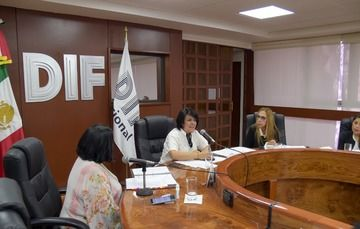 La titular del #SNDIF, Rocío García Pérez, encabezó la Segunda Sesión Ordinaria de 2019, del Comité Técnico de Adopción.