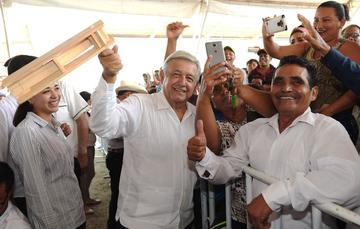 El presidente de México, Andrés Manuel López Obrador, en la entrega de Programas Bienestar en Champotón, Campeche