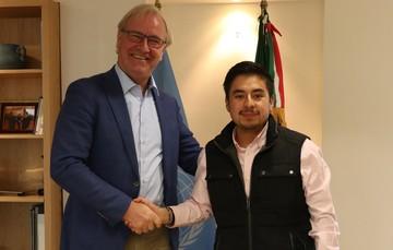 La firma del documento estuvo a cargo del director general del Imjuve, Guillermo Santiago Rodríguez, y el representante en México de UNFPA, Arie Hoekman.