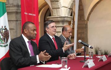 Guy Lamothe, Marcelo Ebrard Casaubón y Maximiliano Reyes Zúñiga.
