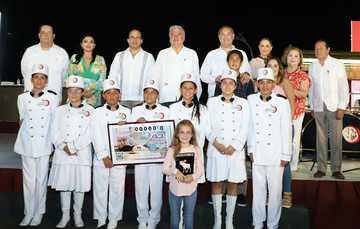 ElPremio Mayor de 15 millones de pesoscorrespondió al billete No. 04576, la primera serie fue remitida para su venta a Guadalajara, Jalisco; la segunda serie fue dispuesta para su venta a través de medios electrónicos. El segundo premio de un millón 200 m