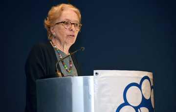 Dra. Asa Ebba Christina Laurell, Subsecretaria de Integración y Desarrollo del Sector Salud.