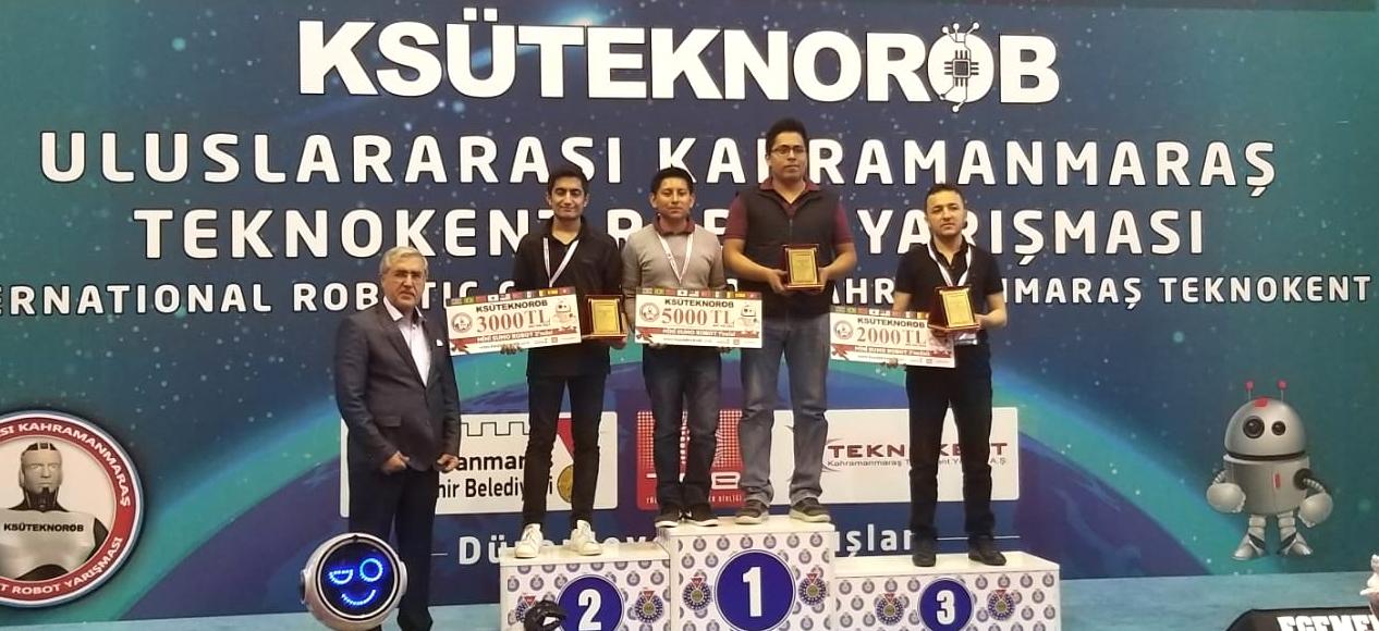 Boletín no. 70 Obtienen estudiantes del TecNM los tres primeros lugares del torneo de robótica KSÜ TeknoRob, en Turquía