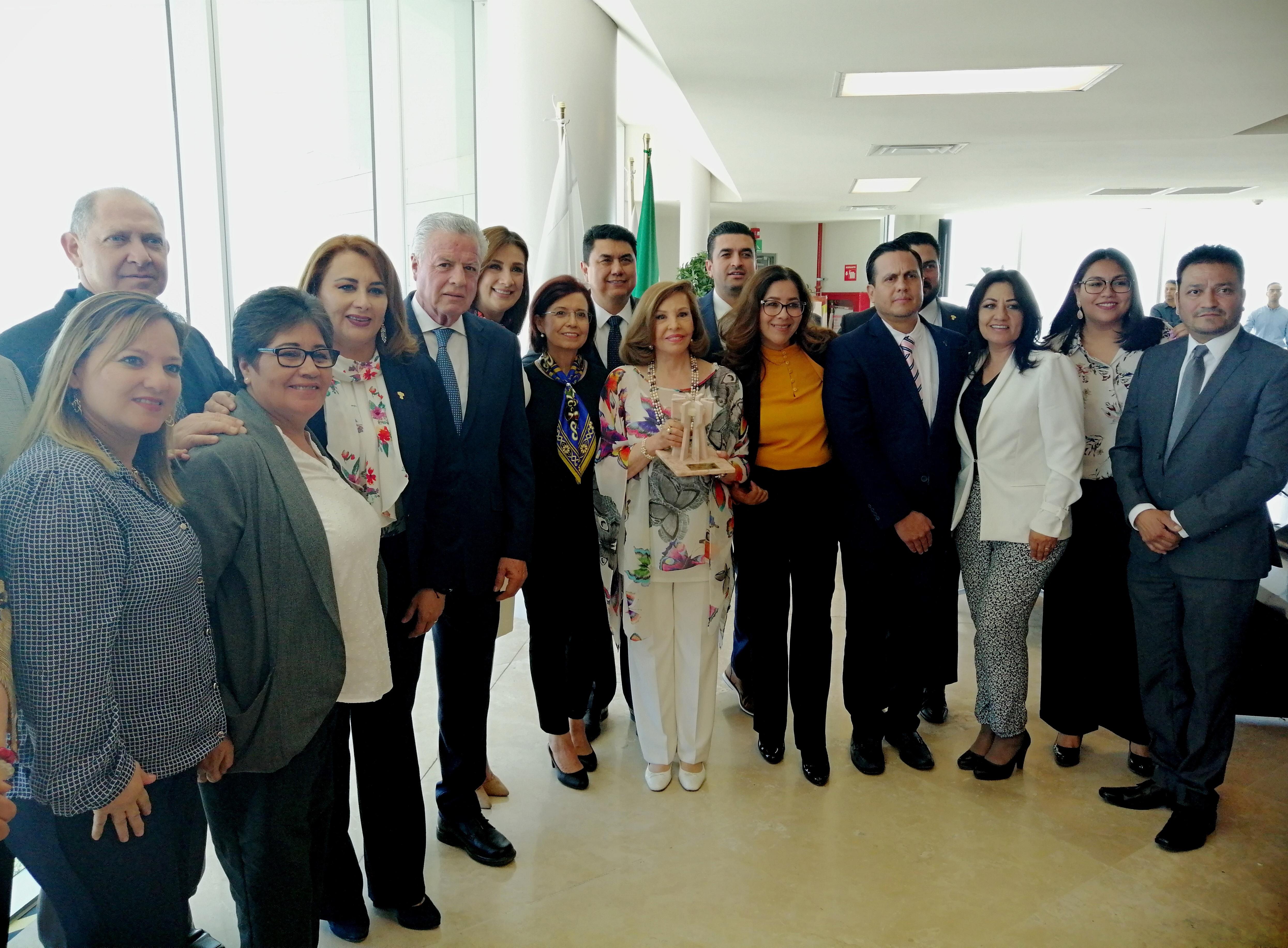Torreón, entrega las llaves de la ciudad a la Sra. Kena Moreno