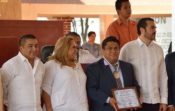 Dr. Ulises Mena Hernández, experto en ingeniería sísmica y dinámica estructural.