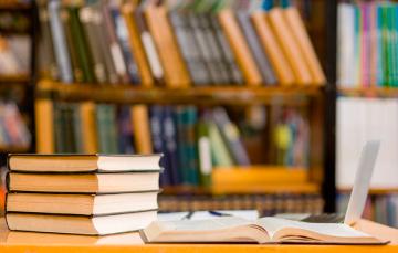 """Encontrarás éstos y muchos otros títulos en el acervo histórico de la Biblioteca """"Ing. José Luis de la Loma y de Oteyza"""""""