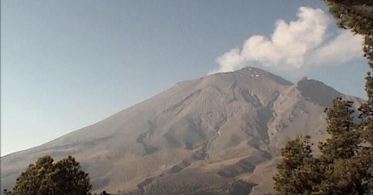 En las últimas 24 horas, por medio de los sistemas de monitoreo del volcán Popocatépetl se identificaron 39 exhalaciones de baja intensidad, acompañadas de vapor de agua y gas, y en algunas ocasiones pequeñas cantidades de ceniza