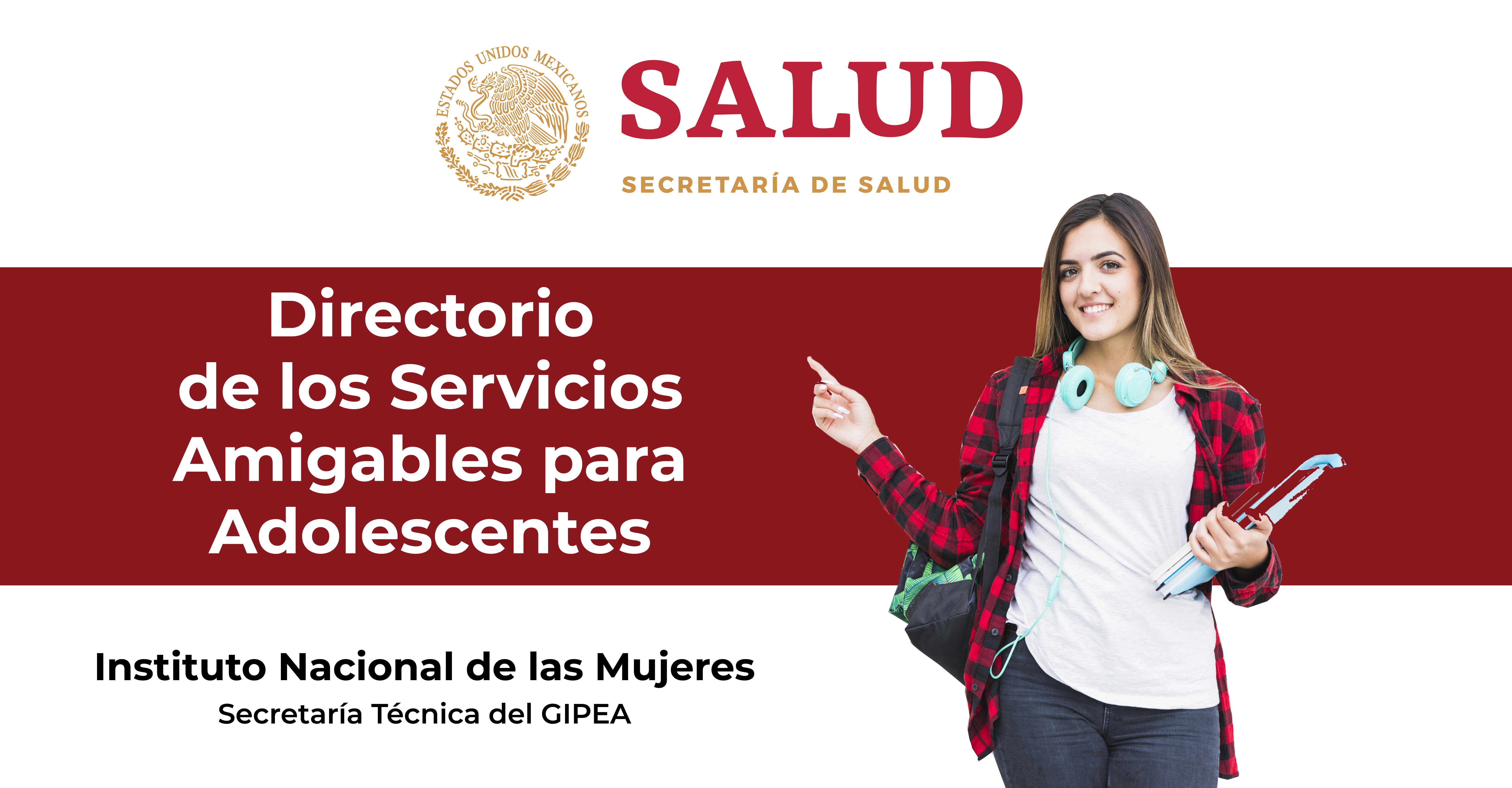 Mujer joven señalando el título del Directorio de los Servicios Amigables para Adolescentes