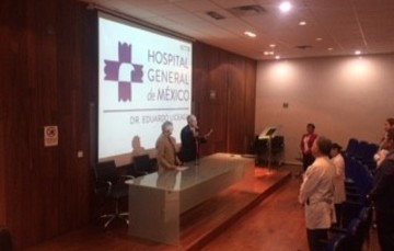 En la inauguración del curso, el doctor Onofre Muñoz Hernández y el doctor Raúl Serrano Loyola