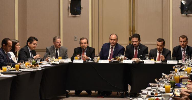 Funcionarios del Nuevo Sistema de Financiamiento Rural Integral con COPARMEX