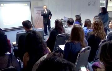 El doctor Garry Eldon Britton Justo, Perito en Psiquiatría,  durante su presentación.