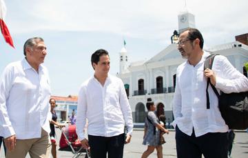 El Director General del Banco Nacional de Obras y Servicios Públicos (Banobras), Jorge Mendoza Sánchez, realizó una gira de trabajo por Tabasco acompañado del Gobernador del estado, Adán Augusto López Hernández