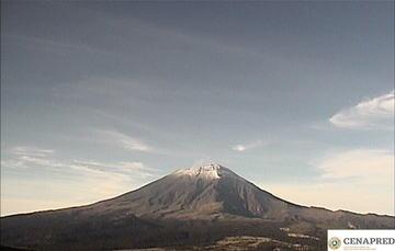 El sistema de monitoreo registró 144 exhalaciones, 21 minutos de tremor y un sismo volcanotectónico ocurrido ayer a las 12:16 horas