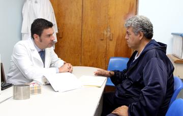Paciente en consulta médica.