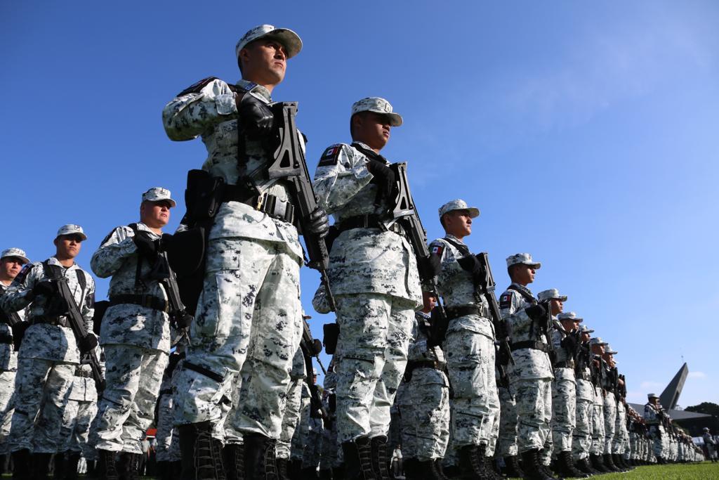 Si tienes entre  18 y 30 años de edad tú país te necesita, únete a la Guardia Nacional y trasforma el futuro de México.