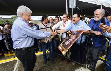 El presidente de México, Andŕes Manuel López Obrador, durante el diálogo con la Comunidad del Hospital Rural de Villamar, Michoacán.